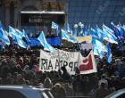 Независимые профсоюзы приняли участие в «Марше против бедности» со своими лозунгами