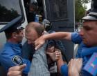 Організатора антиклерикальної акції під Мистецьким Арсеналом визнано невинуватим у вчиненні правопорушення