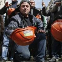 150422152827_miners_protest_624x351_epa